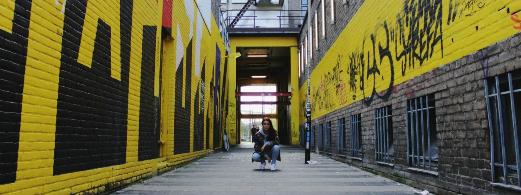 Silvie vertelt over haar favoriete plek in Rotterdam: het HipHopHuis! Zij is zelf een danser en komt hier dus vaak over de vloer.