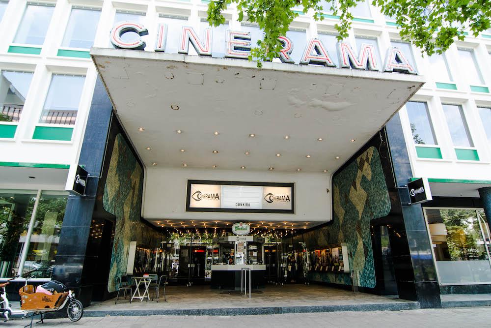 Je kunt Cinerama, gelegen aan Westblaak, bezoeken voor een old skool-filmervaring. Zowel de buitenkant als het interieur van Cinerama is fantastisch.