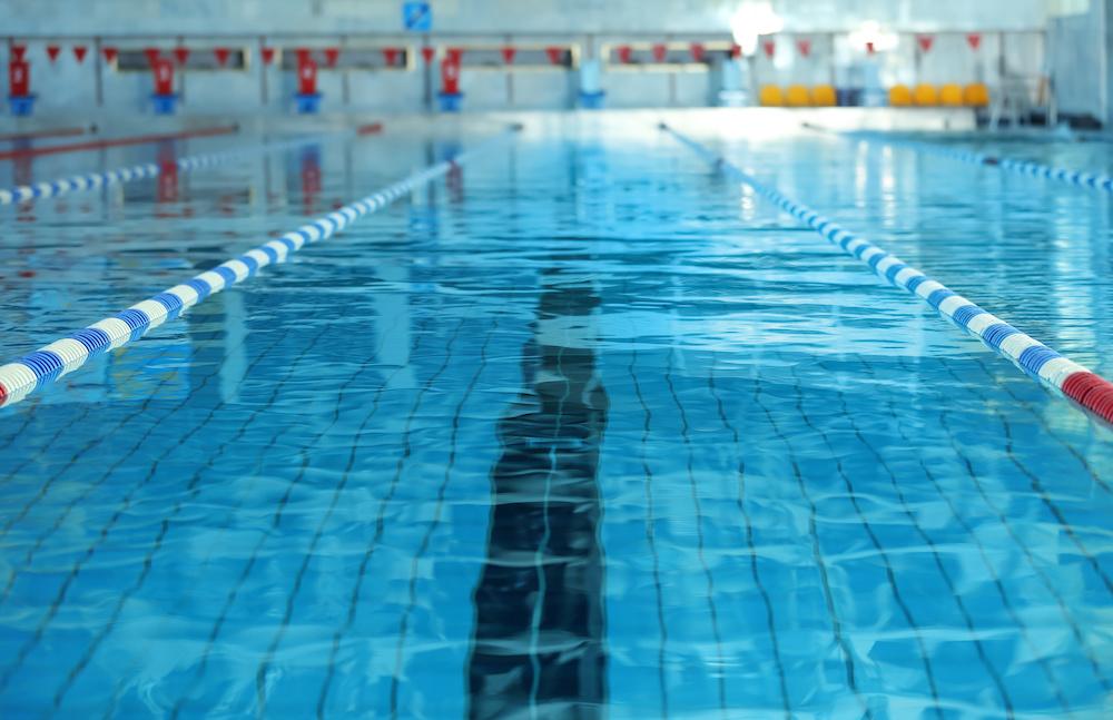Rotterdam heeft een groot aantal overdekte zwembaden! En binnen zwemmen is natuurlijk een geweldige manier om nog steeds actief te blijven met slecht weer. Er zijn zwembaden met leuke kinderrecreatie, maar ook zwembaden met sauna's en stoomcabines.
