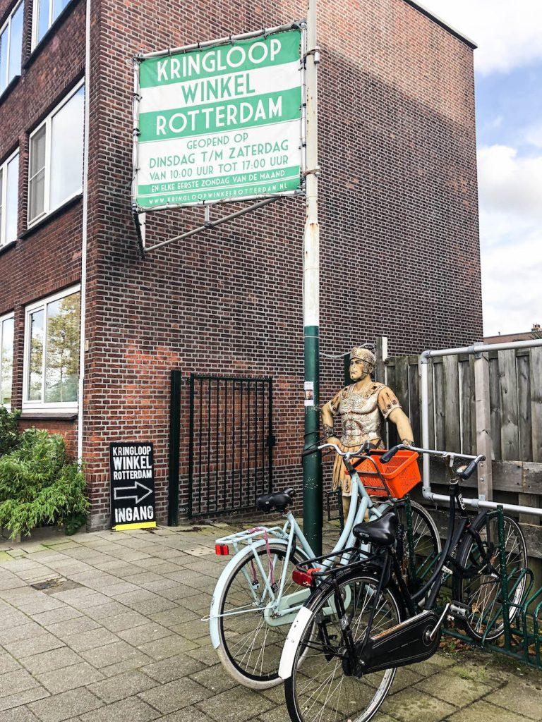Een van de leukste kringloopwinkels in Rotterdam is toch wel Kringloopwinkel Rotterdam in Blijdorp.