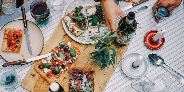 Bij Sugo Rotterdam eet je heerlijke vierkante pizza's in alle soorten smaken.
