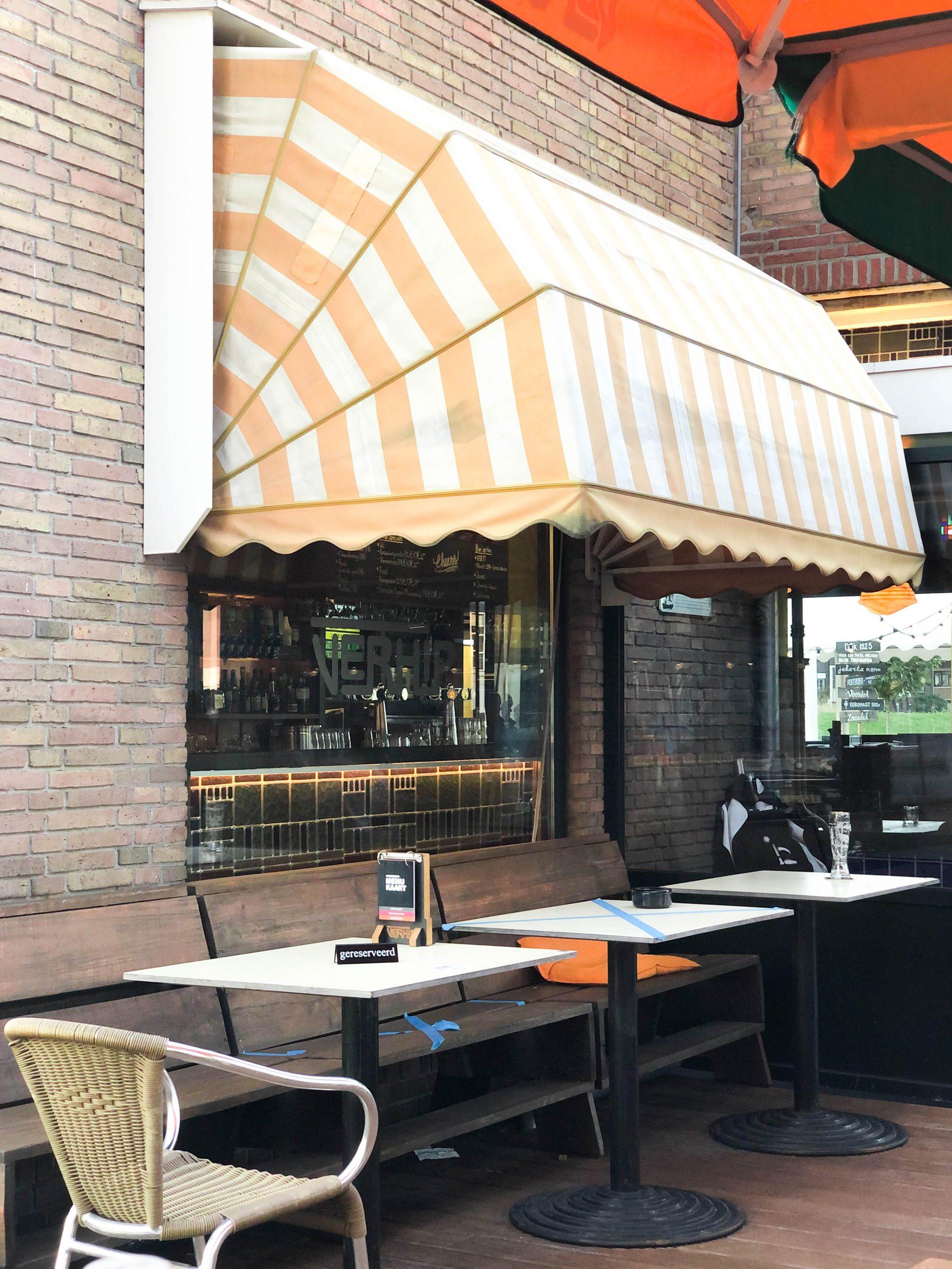 Bij Café Verhip hoef je geen poespas te verwachten. Het is een gezellige tent waar je lekker kan eten, een biertje kan doen en gezellig kan borrelen.