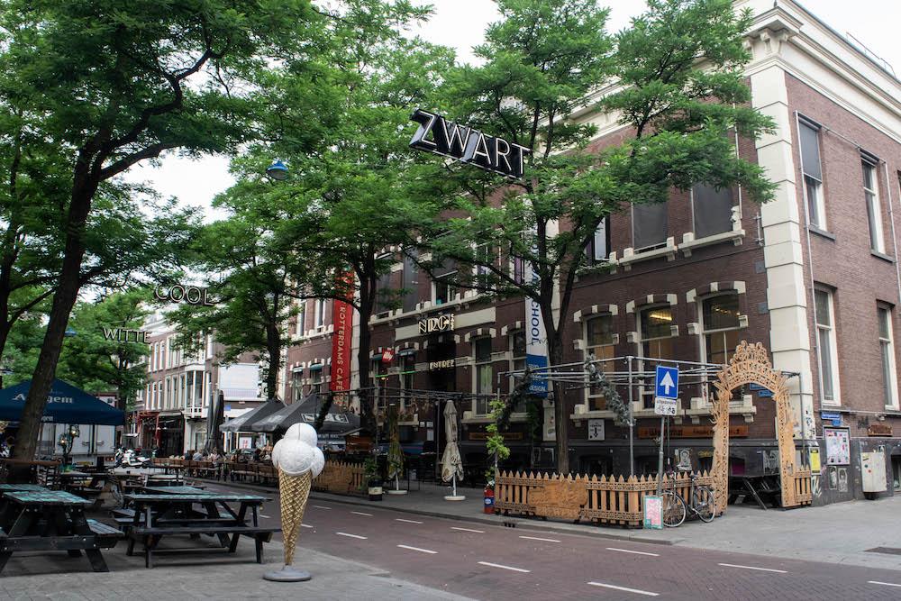 Op de Witte de Withstraat kun je genoeg leuke plekken vinden om een biertje te doen. Denk aan Wunderbar, NRC, De Witte Aap en meer!