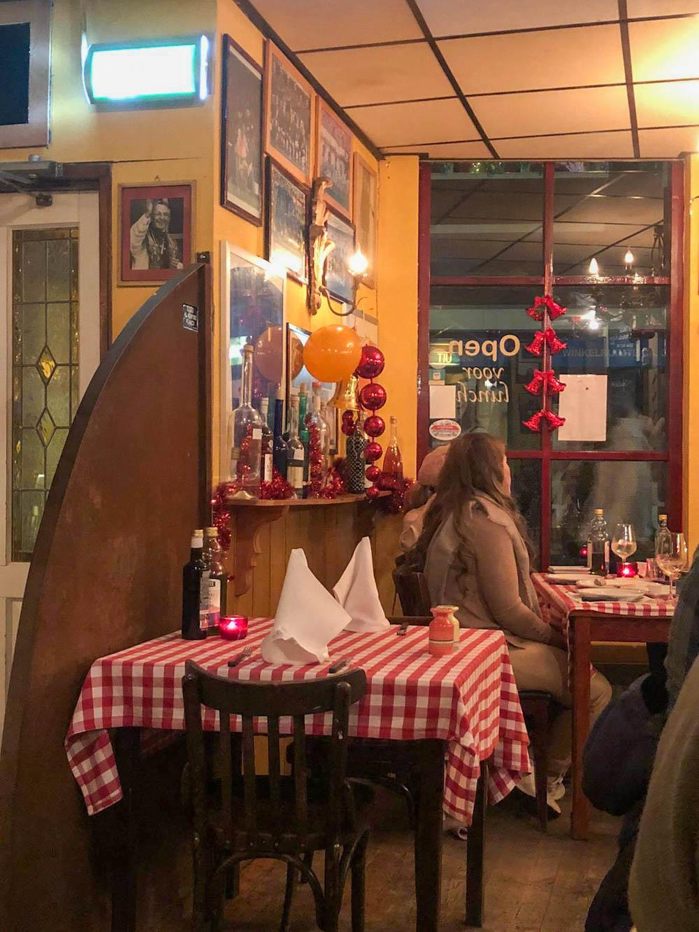 Een gezellig Italiaans restaurant in Hillegersberg: La Salute. Typisch Italiaans interieur en heerlijke Italiaanse specialiteiten!