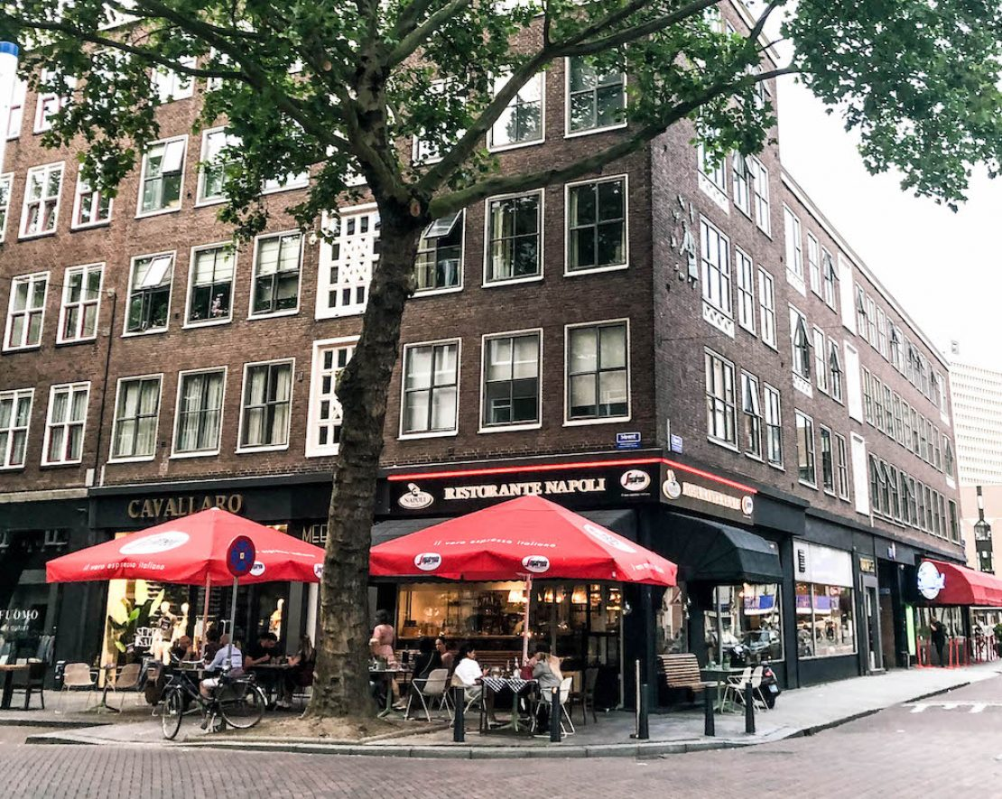 Voor een lekkere pizza of pasta in Rotterdam zit je bij Napoli op de Meent wel goed!