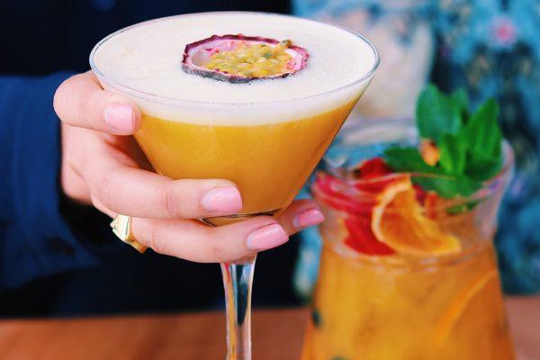 Een van de leukste hotspots in Rotterdam is toch wel Supermercado. Met een Zuid-Amerikaans tintje drink je hier heerlijke cocktails en eet je hier de lekkerste nacho's.