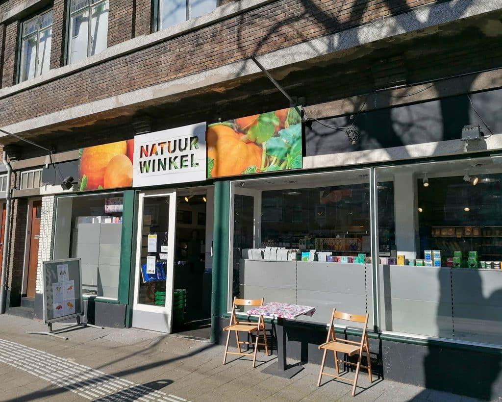 Natuurwinkel Zonnemaire is een biologische supermarkt in Rotterdam-Noord waar je biologische producten kunt kopen.