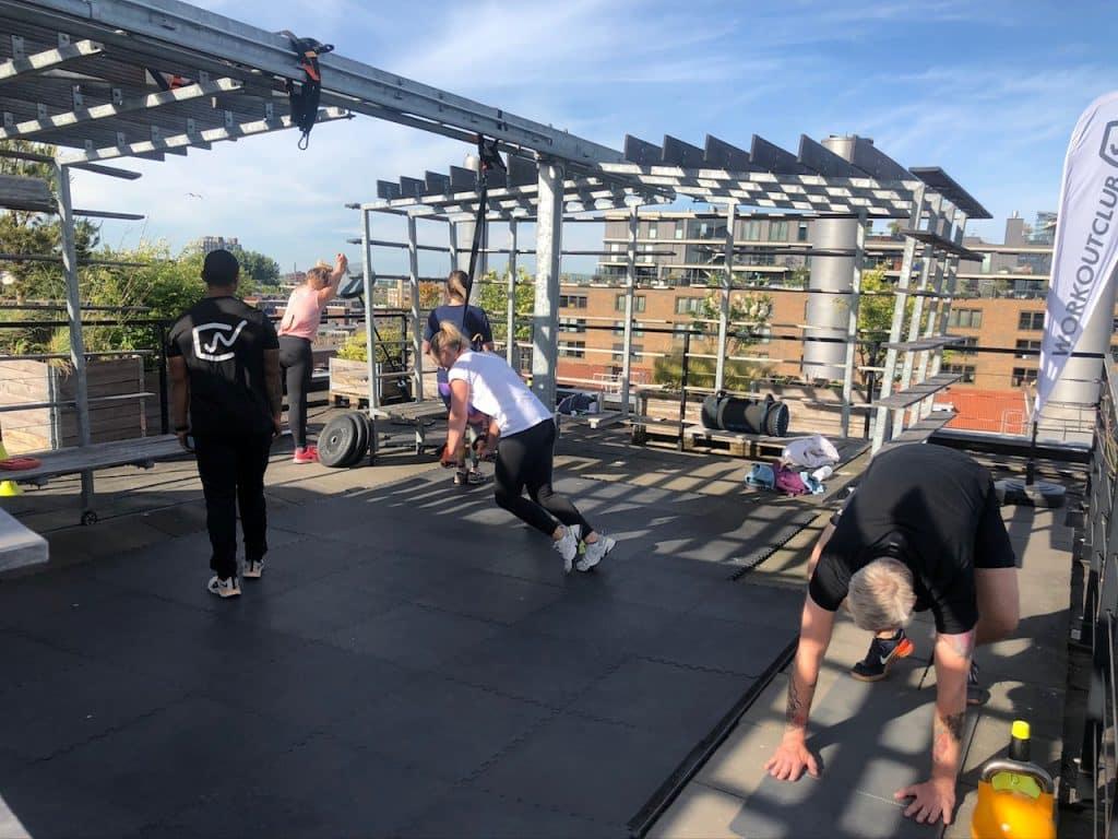 Het uiterste uit jezelf halen doe je bij de Workoutclub. Inclusief een fantastisch uitzicht over Rotterdam natuurlijk.