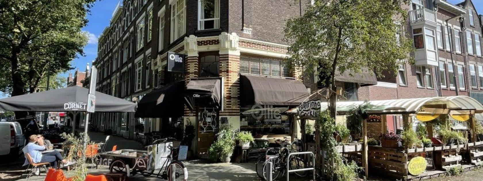 Vooraanzicht van het gezellige Cafe Ollie in Rotterdam Noord.
